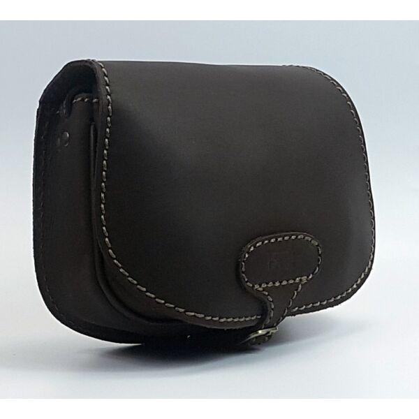 Kisméretű Blazek sötétbarna bivalybőr vadász táska 24x18 cm