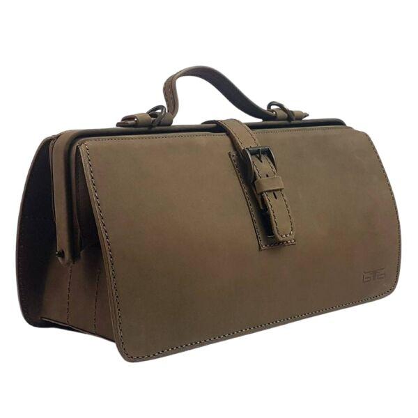Átfogópántos bivalybőr női orvosi táska, vállpánttal